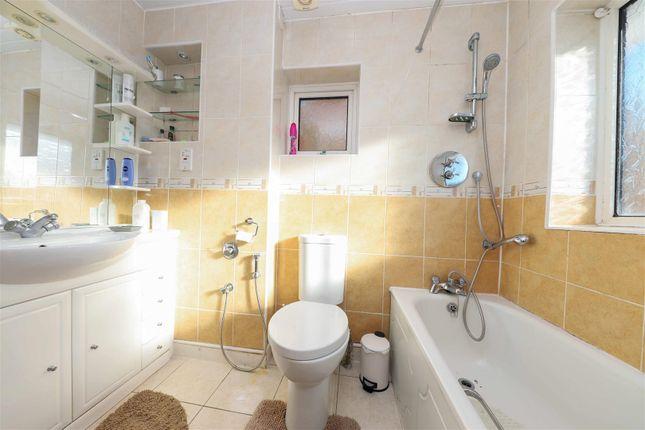 Family Bathroom of Albury Drive, Pinner HA5