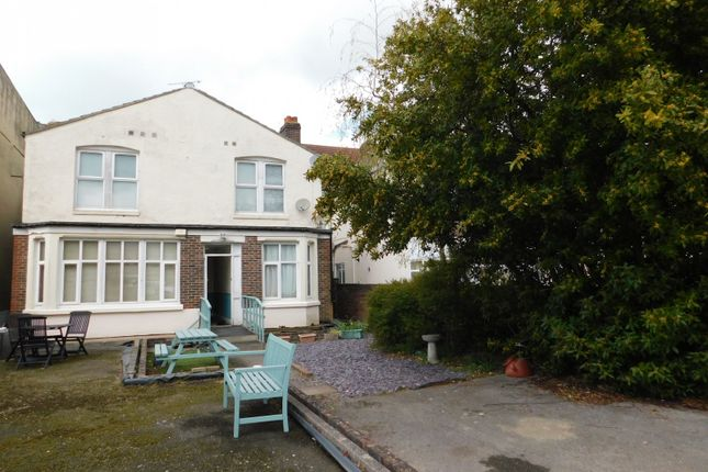 Thumbnail Flat to rent in Royal Court Apartments, London Road, Portsmouth