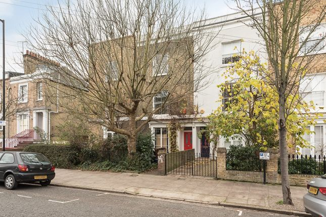 Thumbnail Terraced house to rent in De Beauvoir Road, London