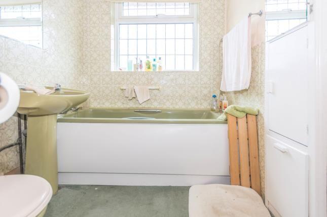 Bathroom of Kernthorpe Road, Birmingham, West Midlands B14
