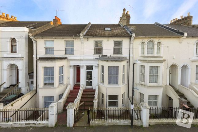 Thumbnail Terraced house to rent in Cobham Street, Gravesend, Kent