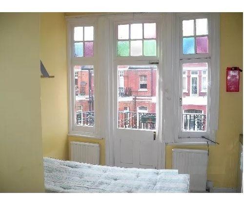 Thumbnail Studio to rent in Castletown Road, West Kensington, London