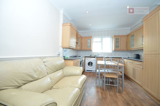 4 bed flat to rent in Graham Road, Hackney, Dalston, London