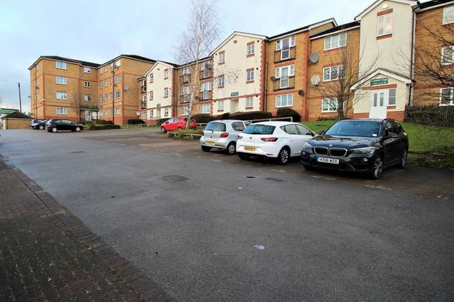 Thumbnail Flat for sale in Kingsway, Luton