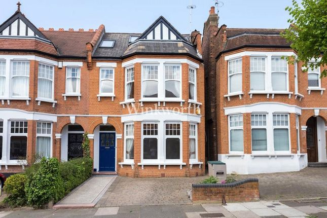 Thumbnail Semi-detached house to rent in Lakeside Road, London