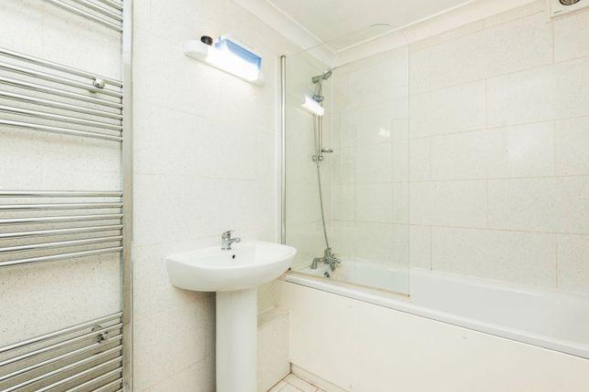 Bathroom of 151 Selhurst Road, London SE25