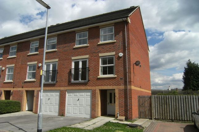 Thumbnail Terraced house to rent in Glebe Court, Rothwell, Leeds