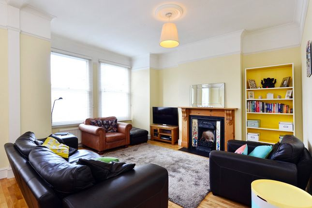 Thumbnail Maisonette to rent in Marlborough Road, Bowes Park