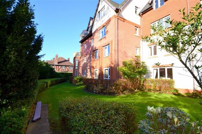 Thumbnail Flat for sale in Shardloes Court, Cottingham, East Riding Of Yorkshire