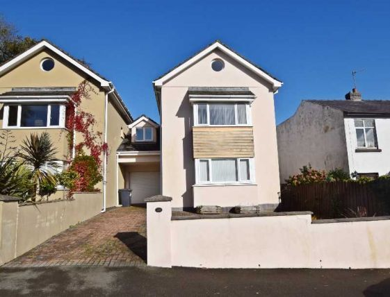 4 bed property for sale in Laureston Grove, Douglas