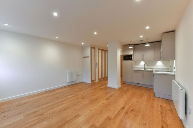 Thumbnail Studio to rent in The Broadway, Woking