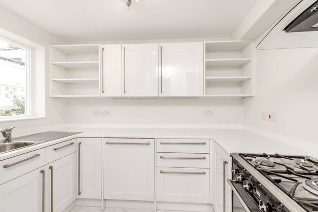 Thumbnail Property to rent in Somerset Road, Chiswick