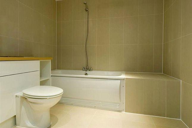 Bathroom of The Grove, Stratford, London E15