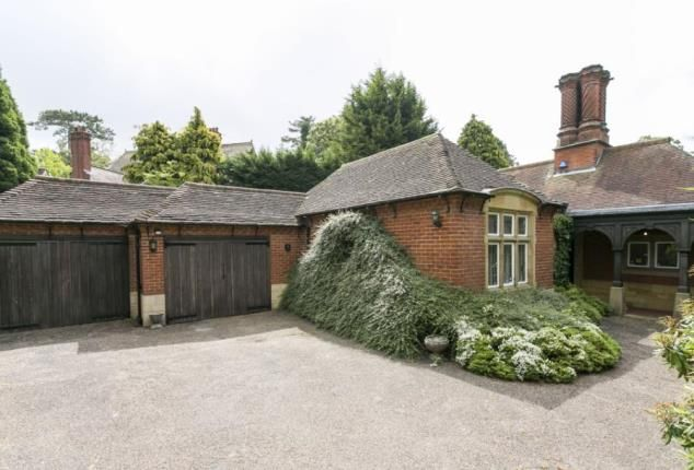Thumbnail Bungalow for sale in London Road, Tonbridge