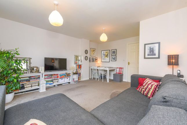Thumbnail Town house for sale in Longfellow Road, Stratford-Upon-Avon