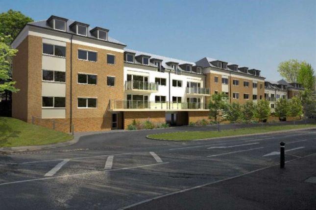 Thumbnail Flat to rent in Brook Court, Watling Street, Radlett