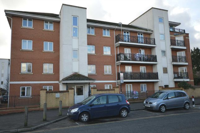 Thumbnail Flat to rent in Felixstowe Road, London