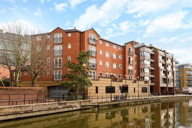 Thumbnail Flat for sale in Mayflower Court, Highbridge Wharf, Reading