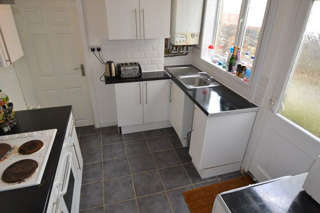 3 bed property to rent in Glenroy Street, Roath, Cardiff