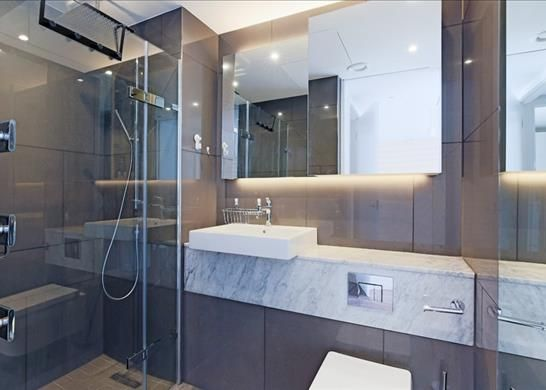 Bathroom 1 of Cashmere House, Leman Street, London E1
