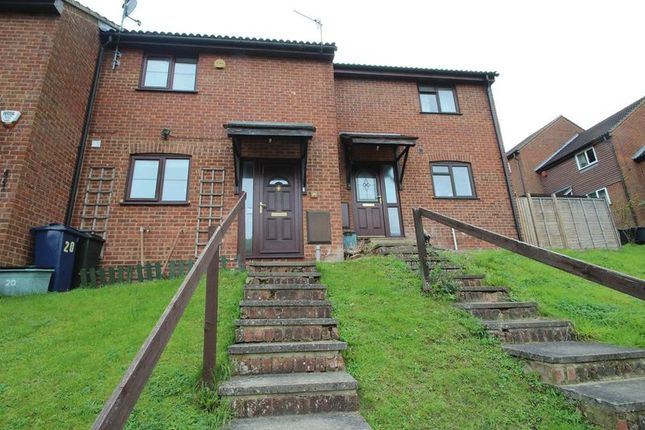 Thumbnail Terraced house to rent in Wychwood Gardens, High Wycombe