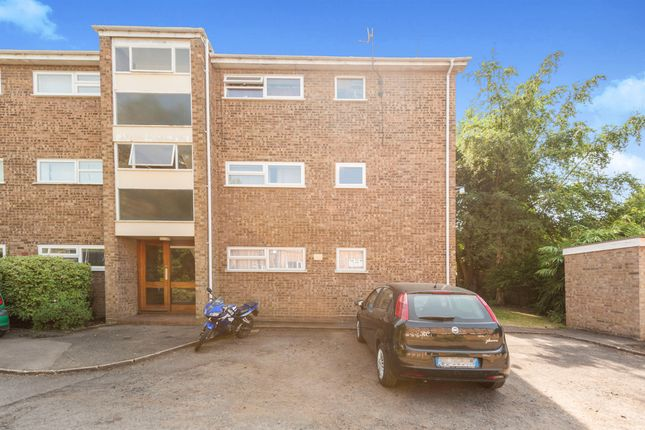 Thumbnail Flat for sale in Springfield Road, Linslade, Leighton Buzzard
