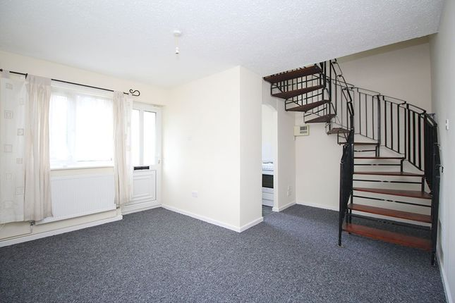 Thumbnail Property to rent in Pennine Close, Shepshed
