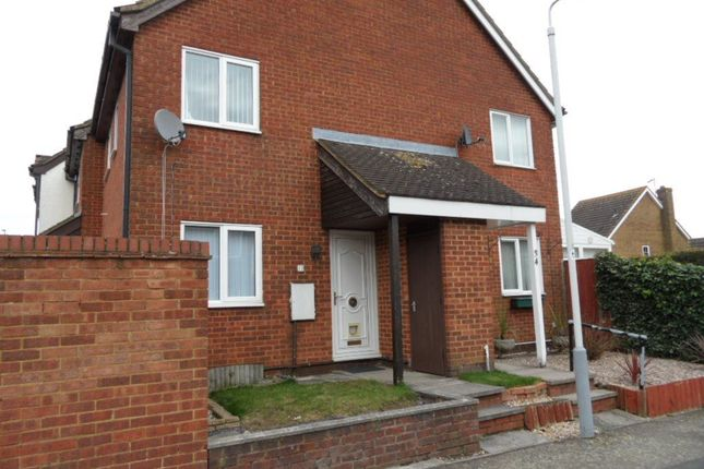 Thumbnail Property to rent in The Dell, Luton