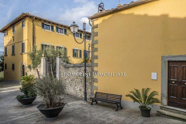 17th Century Period Manor House For Sale In Valdarno, Tuscany.  Romolini.Com