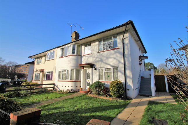 Thumbnail Flat to rent in Costons Lane, Greenford