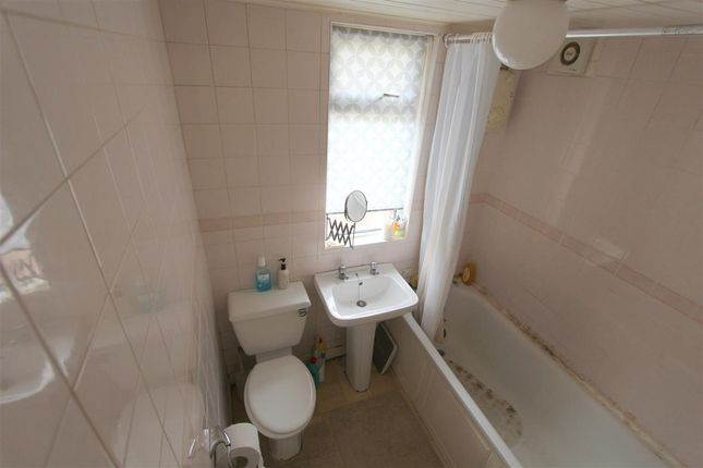 Bathroom of Withnell Close, Stoneycroft, Liverpool L13