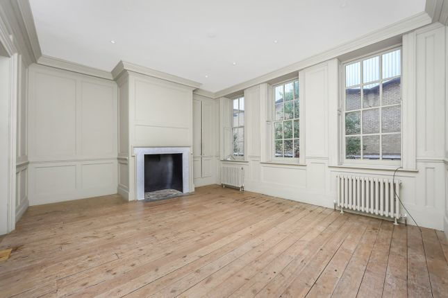Thumbnail Town house to rent in Hanbury Street, London