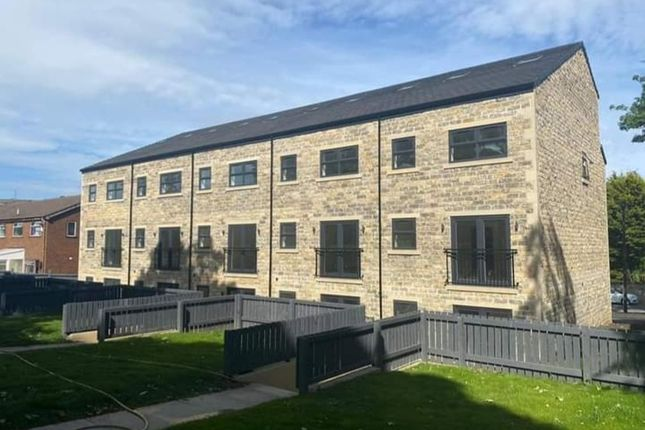 Thumbnail Town house to rent in Amira Drive, Keighley
