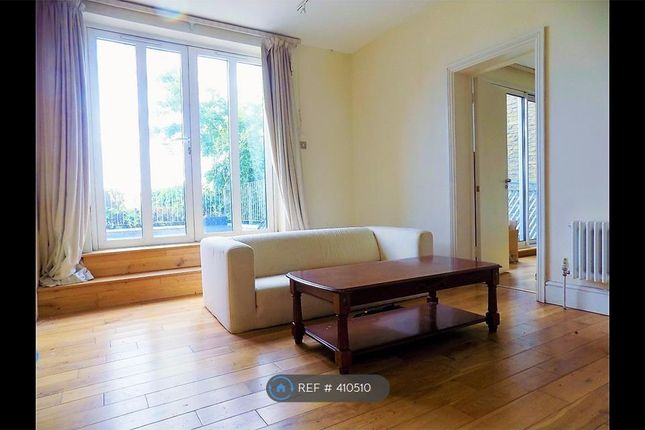 Thumbnail Flat to rent in Oval Mansions, London