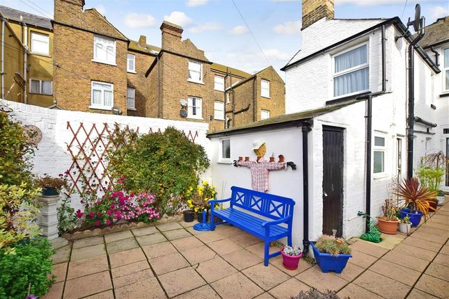 Sea View Square Herne Bay Kent Ct6 3 Bedroom Terraced
