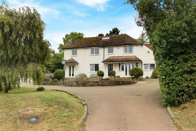 Thumbnail Detached house for sale in Chipperfield Road, Kings Langley