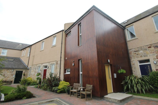 Thumbnail Flat to rent in Allen Court, Kirkcaldy
