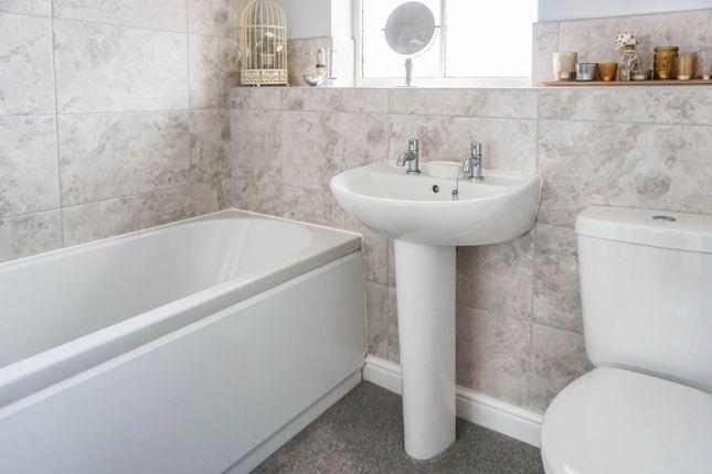Bathroom of Scott Walk, Bridgeyate BS30
