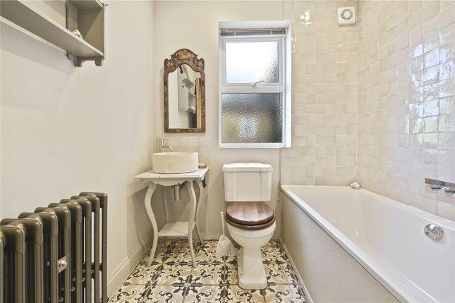 Bathroom of Earlham Grove, London E7