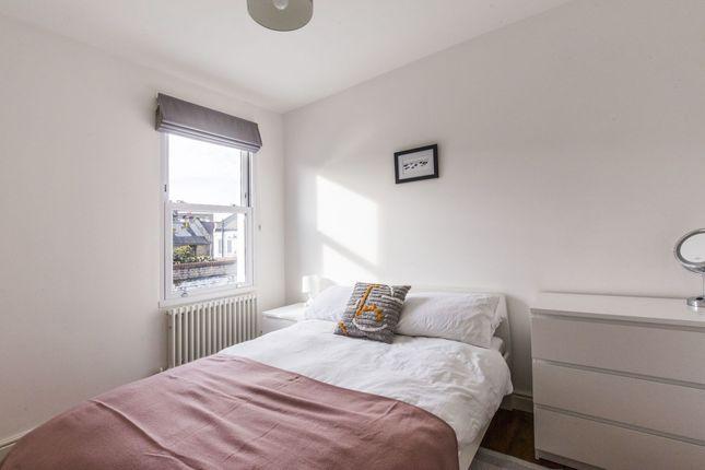 Thumbnail Flat to rent in Faringford Road, London