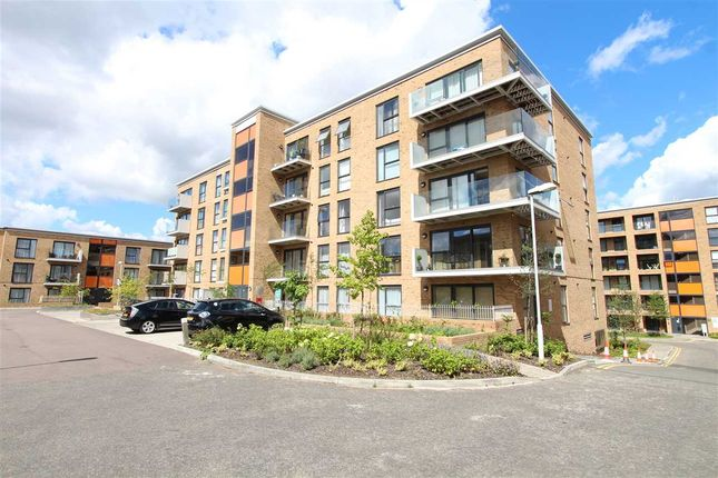 Flat for sale in Zodiac Close, Edgware