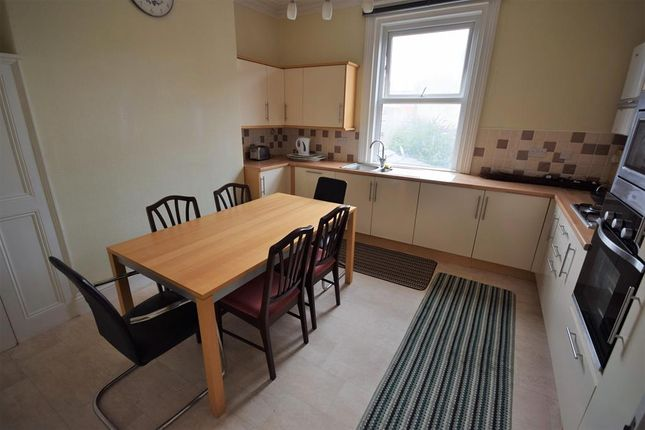 Thumbnail Flat to rent in Horsforth Avenue, Bridlington