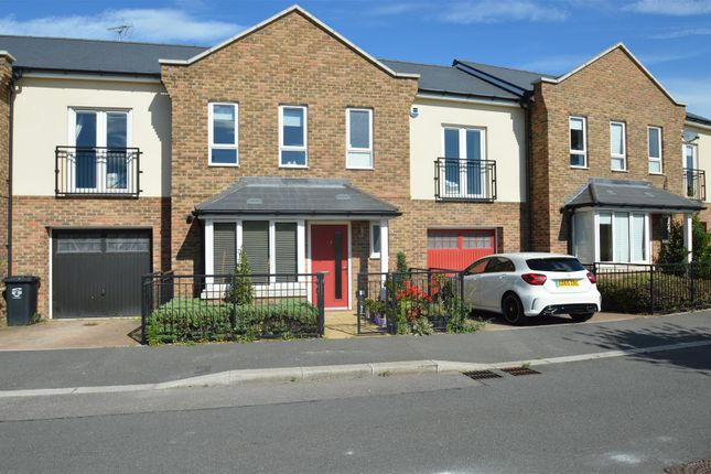 Thumbnail Property to rent in Vaughan Avenue, Greenhithe