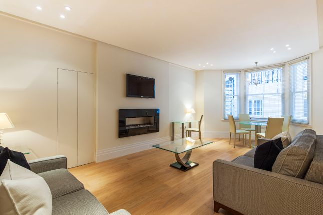 2 bed flat for sale in De Vere Gardens, London