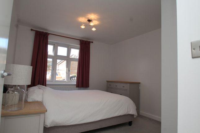 Thumbnail Flat to rent in Turner Avenue, Biggin Hill, Westerham