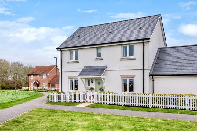 Thumbnail Link-detached house for sale in Meadow Drive, Henfield, West Sussex