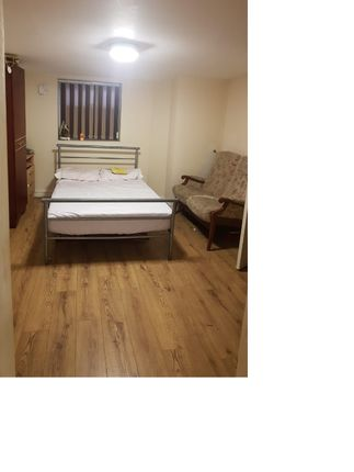 Thumbnail Flat to rent in Cromwell Grove, Levenshulme