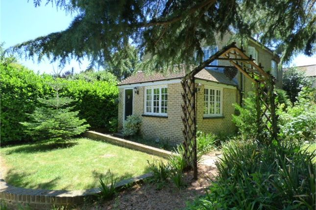 Thumbnail Cottage to rent in The Street, Hartlip, Hartlip, Kent