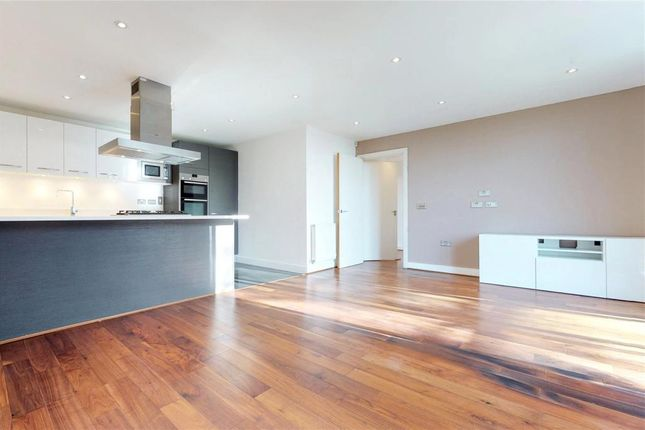 Thumbnail Flat to rent in 520 Chiswick High Road, Chiswick