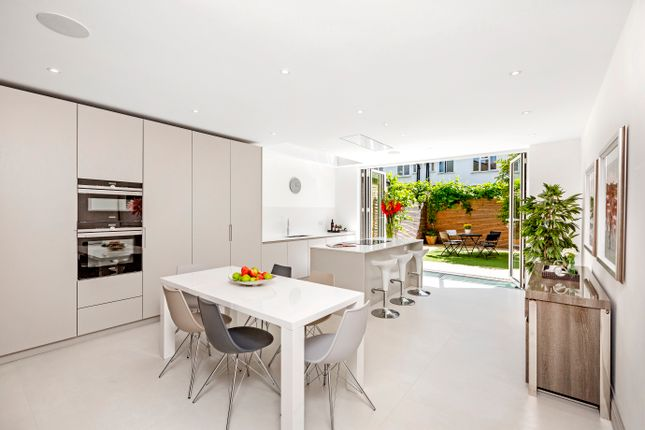 Thumbnail Terraced house for sale in Manchuria Road, London